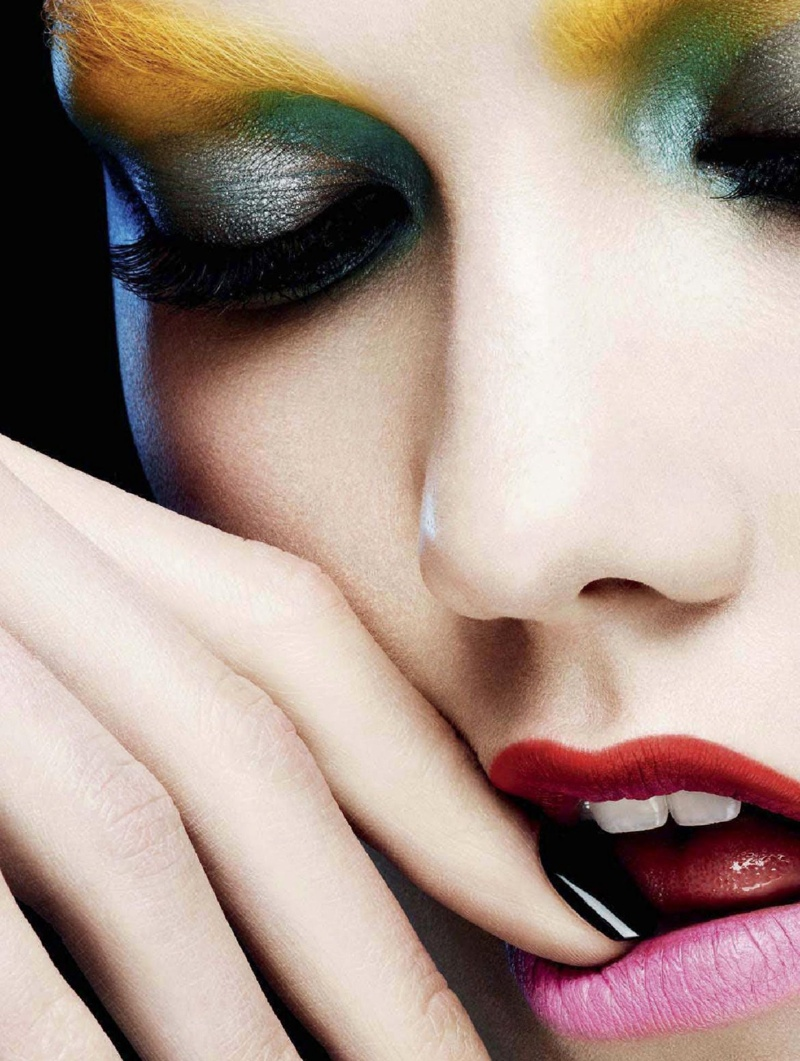 karlie beauty ben hassett4 Karlie Kloss Gets Painted for Ben Hassett in LExpress Styles Shoot