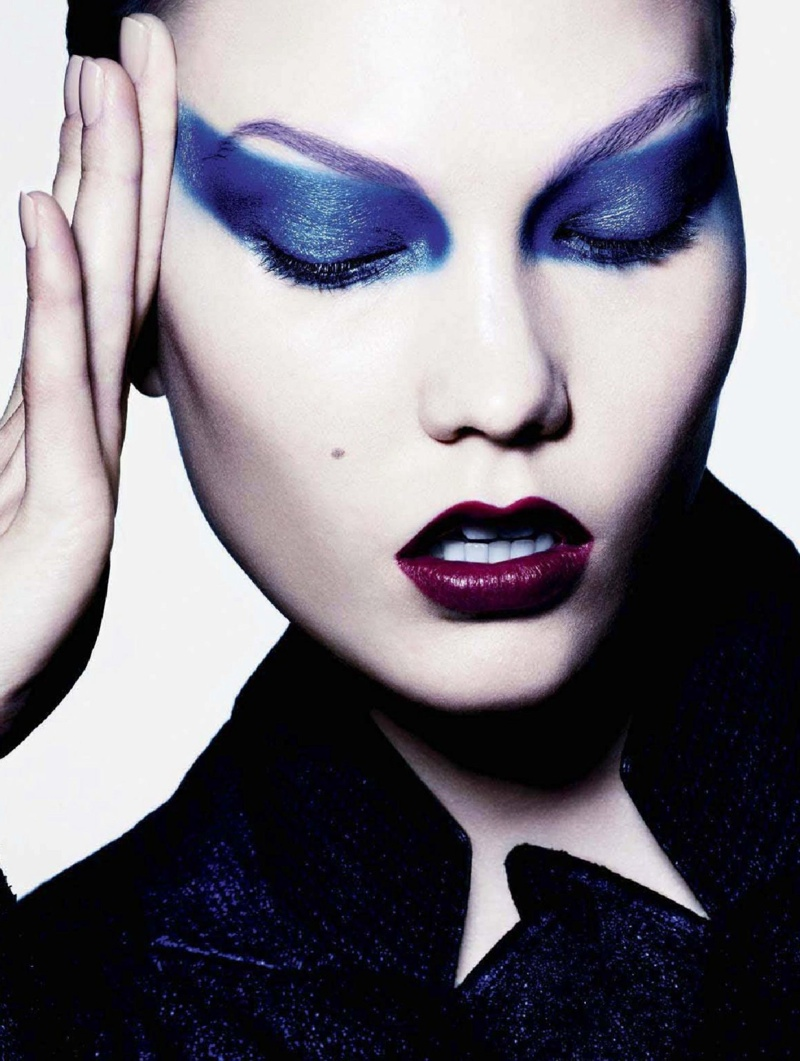 karlie beauty ben hassett7 Karlie Kloss Gets Painted for Ben Hassett in LExpress Styles Shoot