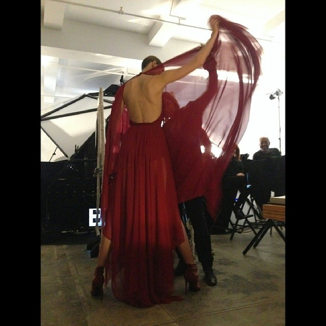 karlie dk bts12 Karlie Kloss is Back for Donna Karan's Upcoming Fall 2014 Ads!