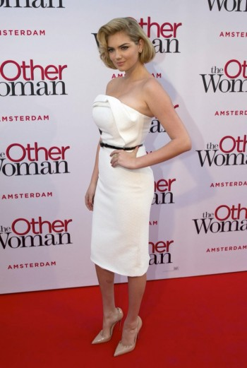 "Kate Upton Delivers Retro Glamour in Christian Siriano at ""The Other Woman"" NL Premiere"