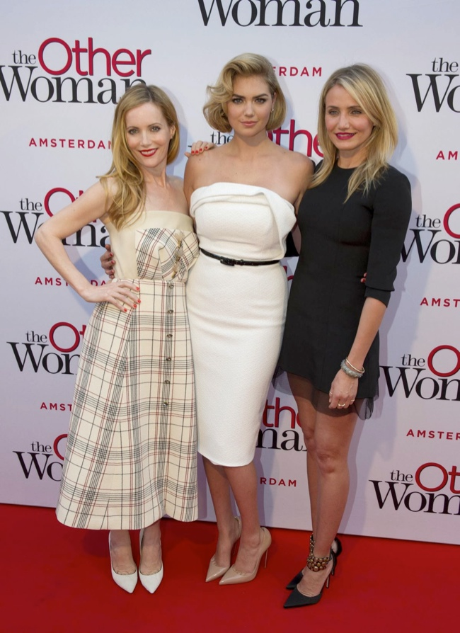 kate upton christian siriano dress2 Kate Upton Delivers Retro Glamour in Christian Siriano at The Other Woman NL Premiere