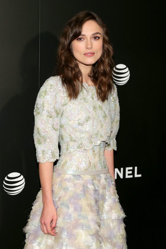 keira knightley chanel couture2 Keira Knightley Brings the Volume in Chanel Couture at the Begin Again TFF Premiere