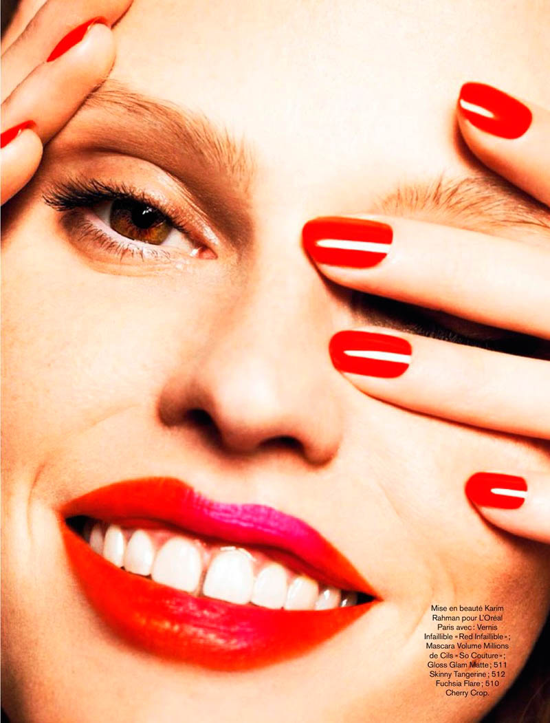 lara stone 2014 pictures1 Lara Stone Models Spring Beauty for Nico in Glamour France