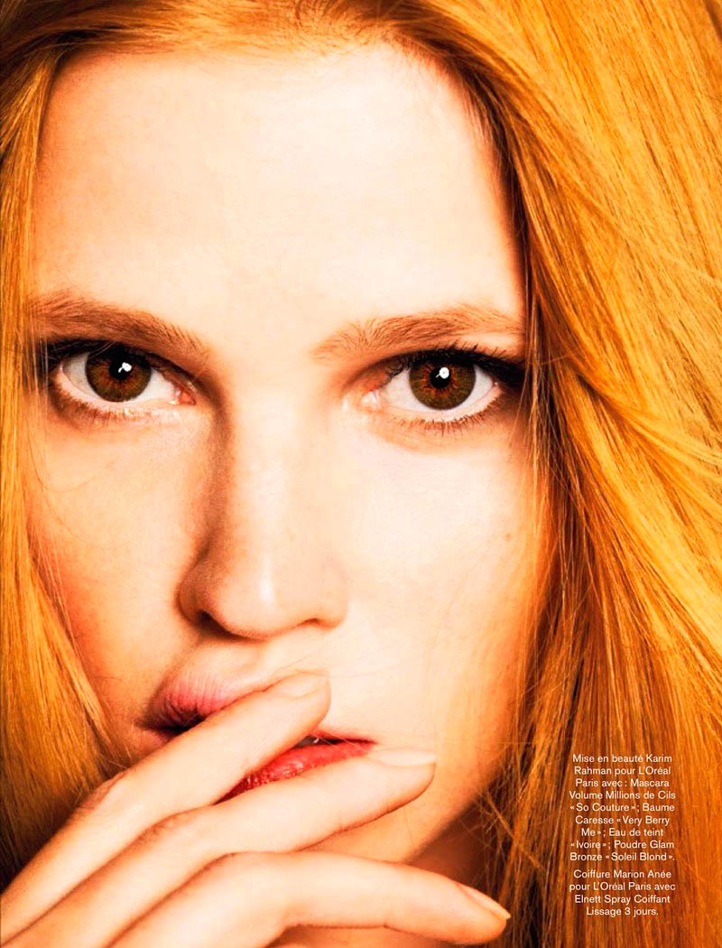 lara stone 2014 pictures3 Lara Stone Models Spring Beauty for Nico in Glamour France