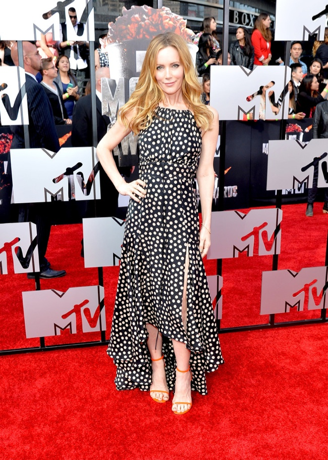 leslie mann juan carlos 2014 MTV Movie Awards Red Carpet Style