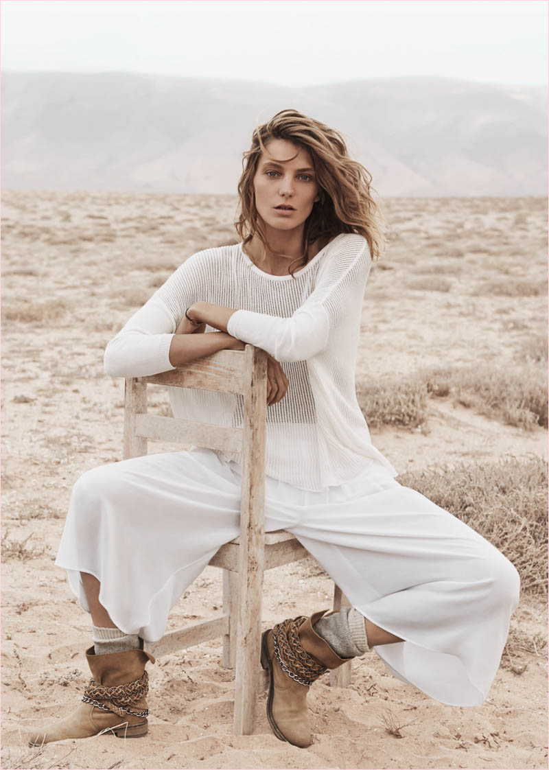 mango summer 2014 daria werbowy photos14 Daria Werbowy Hits the Beach in Mangos Summer 2014 Catalogue
