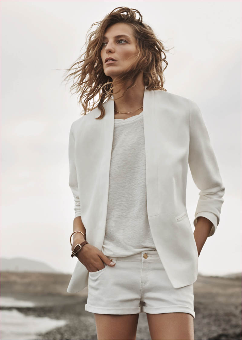 mango summer 2014 daria werbowy photos17 Daria Werbowy Hits the Beach in Mangos Summer 2014 Catalogue