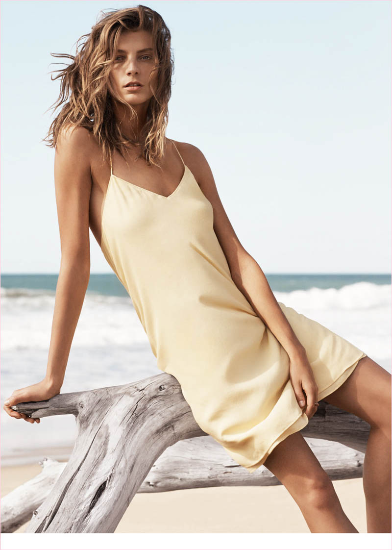 mango summer 2014 daria werbowy photos4 Daria Werbowy Hits the Beach in Mangos Summer 2014 Catalogue