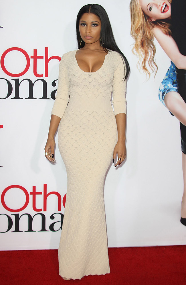 nicki minaj alexander mcqueen dress Get the Look: Nicki Minaj in Alexander McQueen Rib Knit Gown