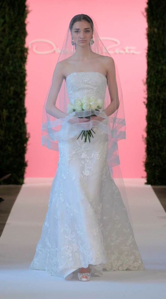 oscar de la renta bridal 201510 Oscar de la Renta Features Flower Girls, Lace at Bridal Spring 2015 Show