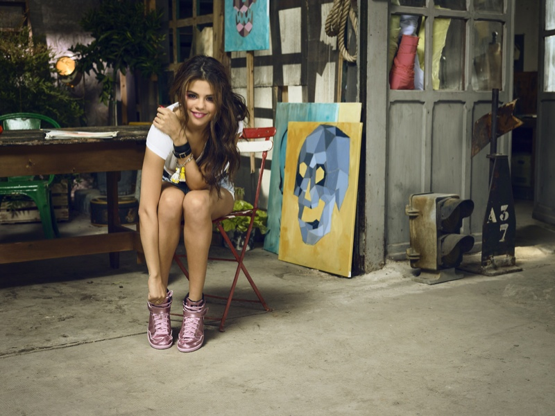 selena gomez neo adidas photos1 Selena Gomez Poses in Artists Studio for Adidas NEO Spring 14 Collaboration