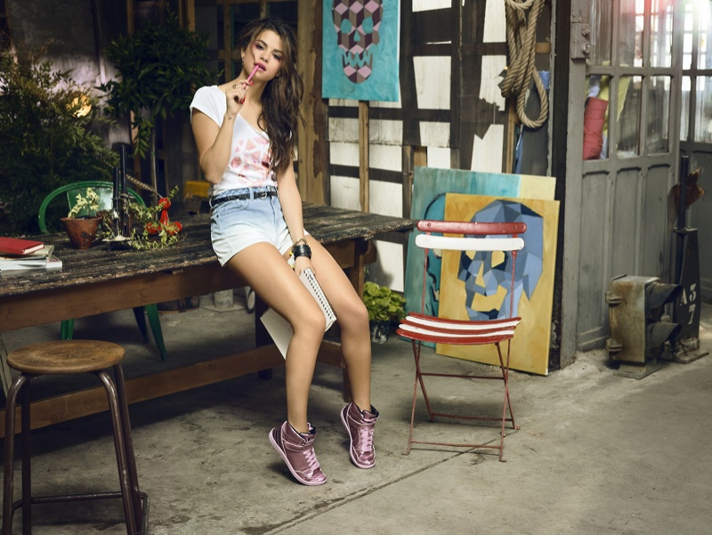 selena gomez neo adidas photos10 Selena Gomez Poses in Artists Studio for Adidas NEO Spring 14 Collaboration