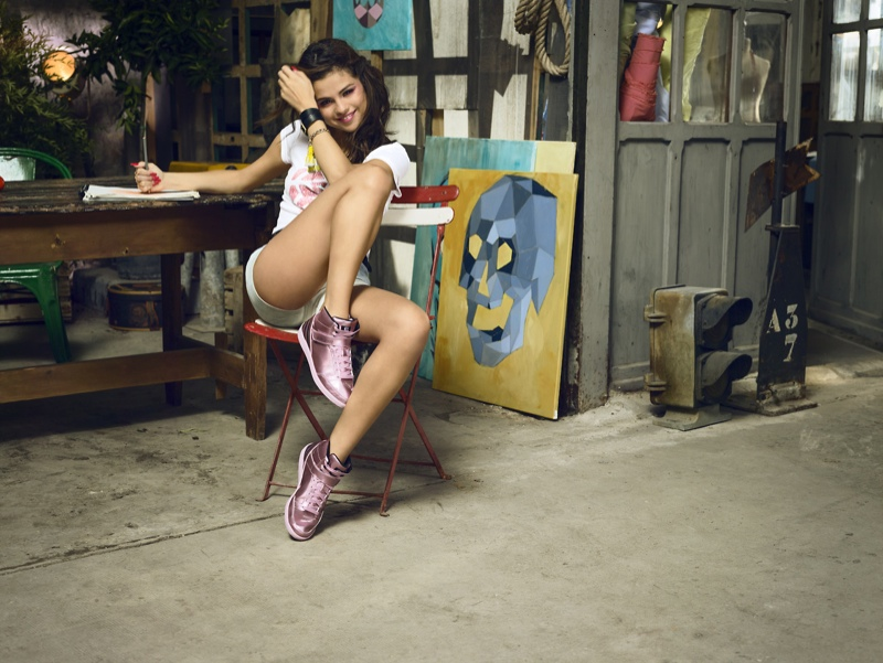 Week in Review | Adriana Hits the Beach, Models & Their Kids, Lea for Prada + More
