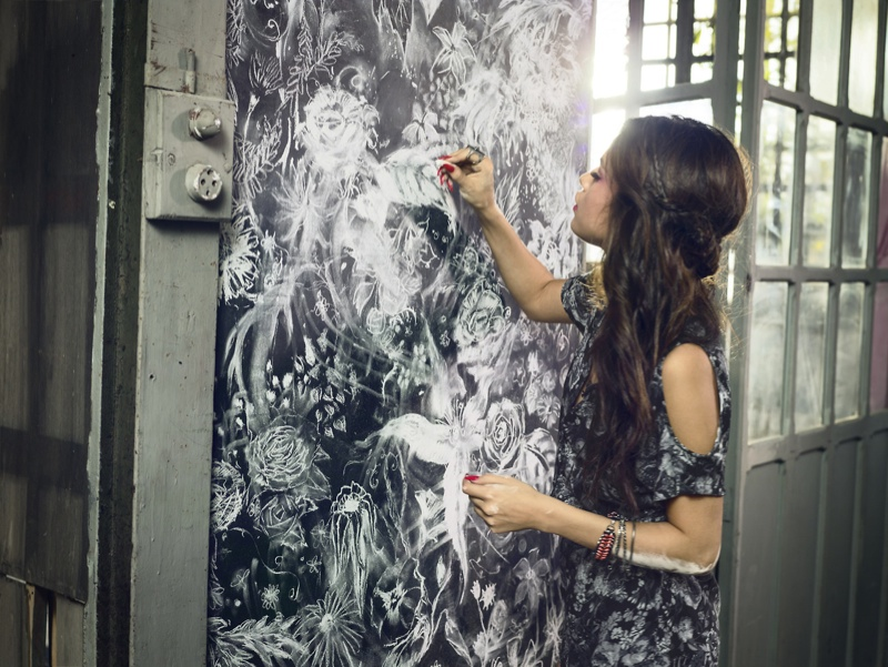 selena gomez neo adidas photos6 Selena Gomez Poses in Artists Studio for Adidas NEO Spring 14 Collaboration