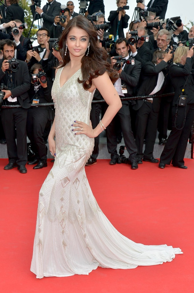 aish rai roberto cavalli gown More Dresses From Cannes Final Events: Lara Stone, Paz Vega, Aishwarya Rai