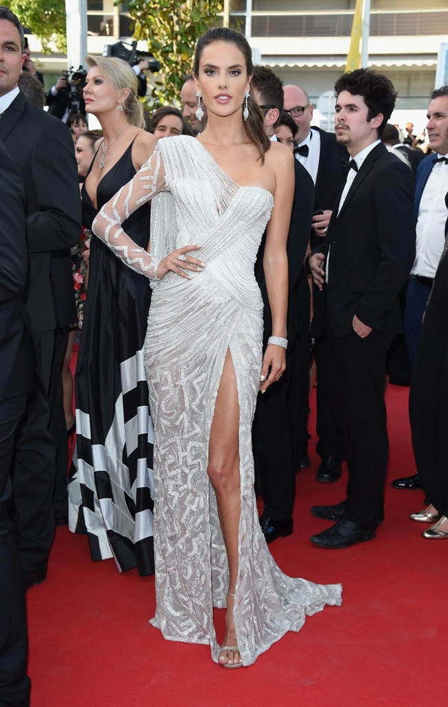 alessandra ambrosio atelier versace dress Cannes Fashion: Amber Heard, Alessandra Ambrosio, Sofia Coppola + More