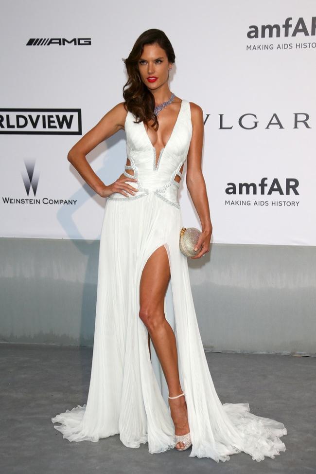 Alessandra Ambrosio showed some leg in Emilio Pucci
