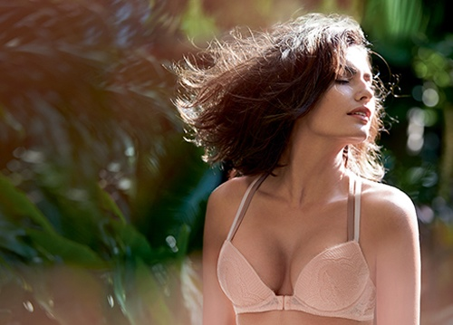 alyssa miller intimissimi lingerie photos6 Alyssa Miller Goes Natural for Intimissimi Lingerie Summer Shoot