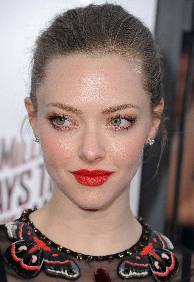 amanda seyfried givenchy black dress02 Amanda Seyfried Goes Sheer in Givenchy at the A Million Ways to Die in the West LA Premiere