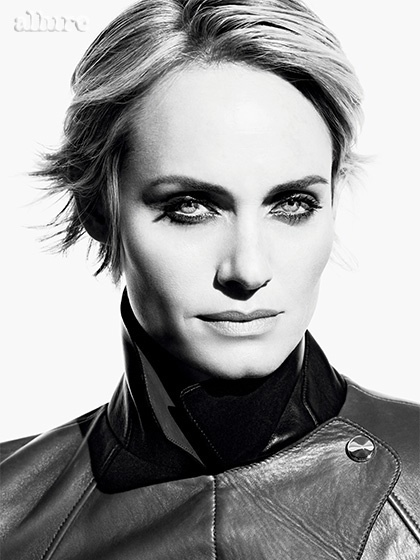 amber valletta hair allure 3 Amber Valletta Cuts Her Hair for Allure Cover Shoot
