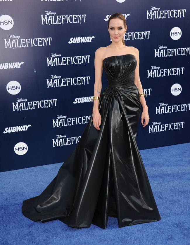 angelina jolie black versace dress premeire1 Angelina Jolie Wears Drama Filled Versace Dress at Maleficent World Premiere
