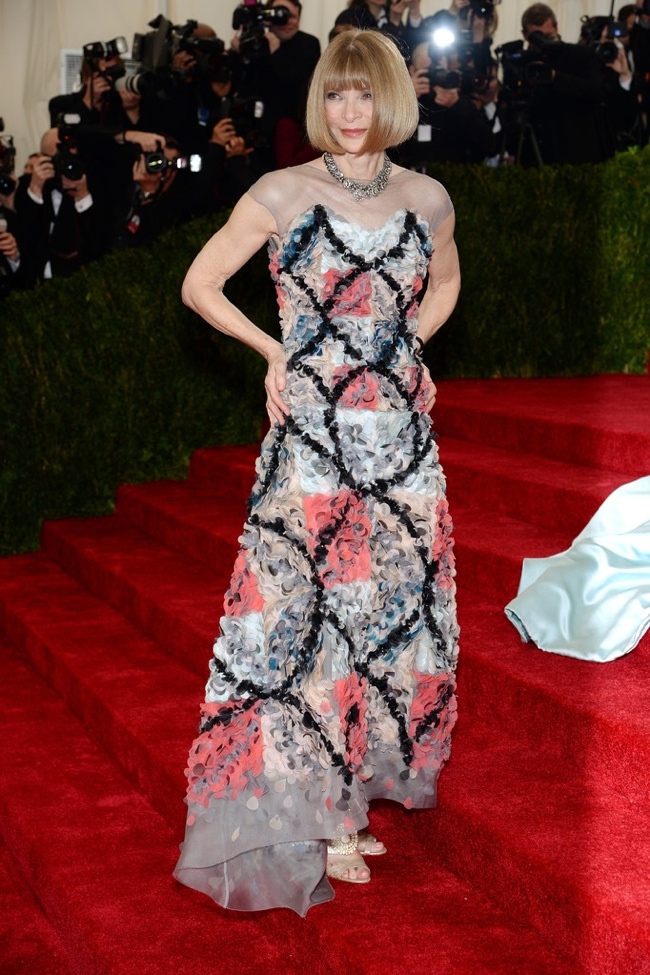 Anna Wintour wears Chanel Haute Couture to the 2014 Met Gala