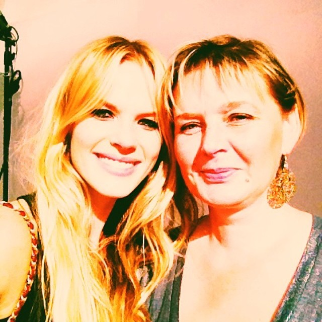 Anne V wished her mom a Happy Mother's Day with this photo