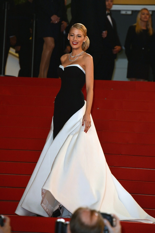 Blake Lively stunned in a black and white Gucci Premiere gown