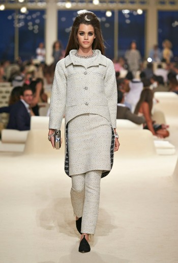 chanel-cruise-2015-show-photos-22