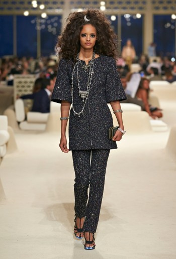 chanel-cruise-2015-show-photos-26