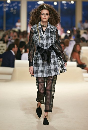 chanel-cruise-2015-show-photos-3