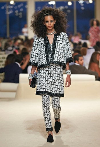 chanel-cruise-2015-show-photos-7