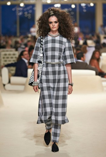 chanel-cruise-2015-show-photos-9