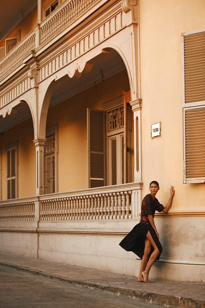 chanel iman photo shoot 2014 3 Chanel Iman Brings the Glam for Bazaar Russia by Alexander Neumann