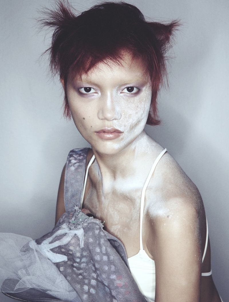 charlotte carey beauty5 Charlotte Carey Models Experimental Beauty Looks for Styleby #25
