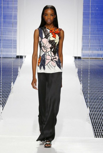 Dior's Cruise 2015 Show Takes on Scarves, Pattern