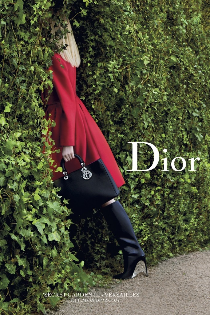 "dior secret garden 2014 Daria Strokous Poses in Versailles for Diors ""Secret Garden"" 2014 Campaign"