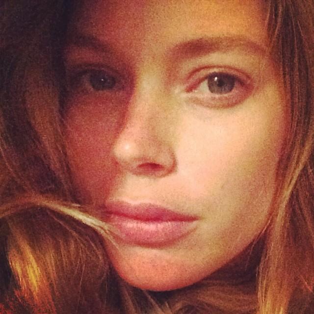 doutzen no makeup Born Beautiful: 10 Model No Makeup Selfies