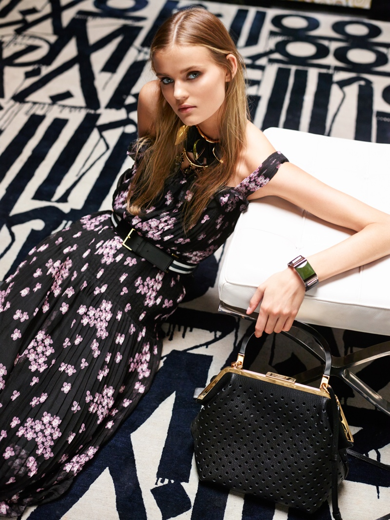 forward gallery girl photos2 Gallery Girl: Kate Grigorieva Wears New Selections from FORWARD by Elyse Walker