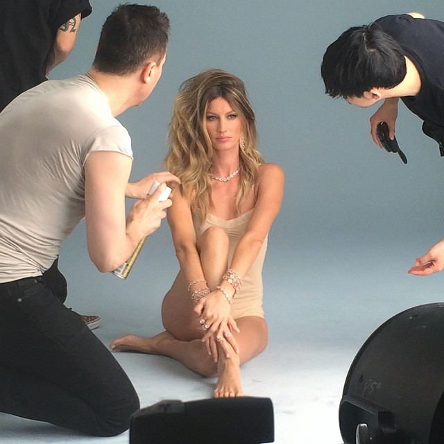 Gisele Bundchen on set of upcoming Vivara campaign. Photo: model's Instagram