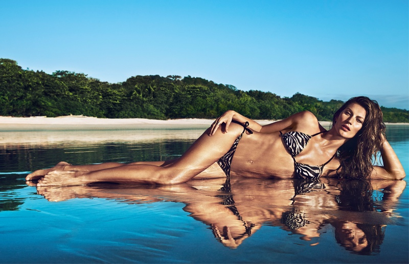 hm summer gisele bundchen swimwear 2014 7 Gisele Bundchen Brings the Heat for H&M Swimwear 14 Ads
