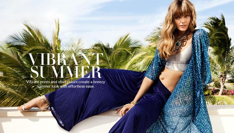 hm vibrant summer1 Frida Gustavsson + Emanuela de Paula Star in H&M Summer Style Update