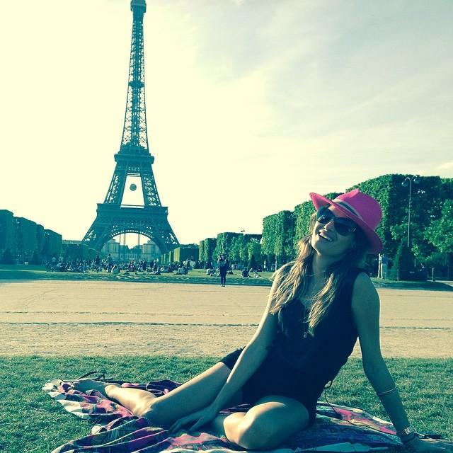 Isabeli Fontana photographed near the Eiffel Tower