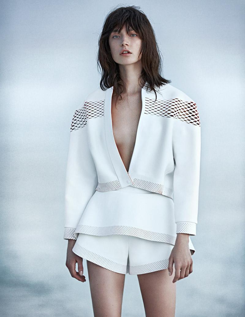 jacquelyn jablonski emma tempest  Jacquelyn Jablonski Poses for Emma Tempest in Vogue Russia Spread