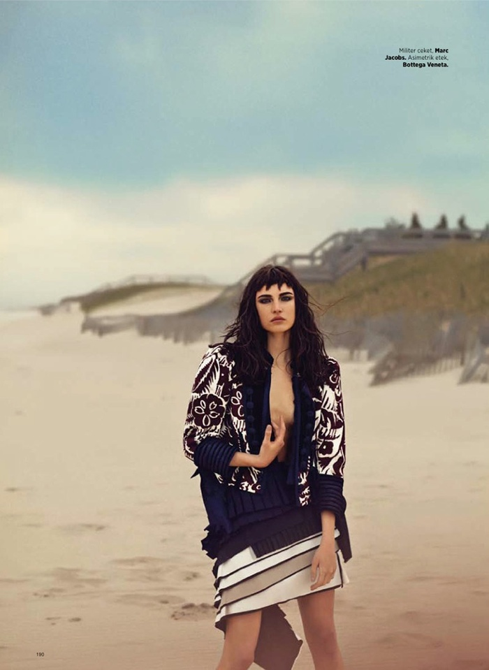 jacquelyn jablonski shoot 2014 6 Jacquelyn Jablonski Gets Dark for Harpers Bazaar Turkey Cover Shoot