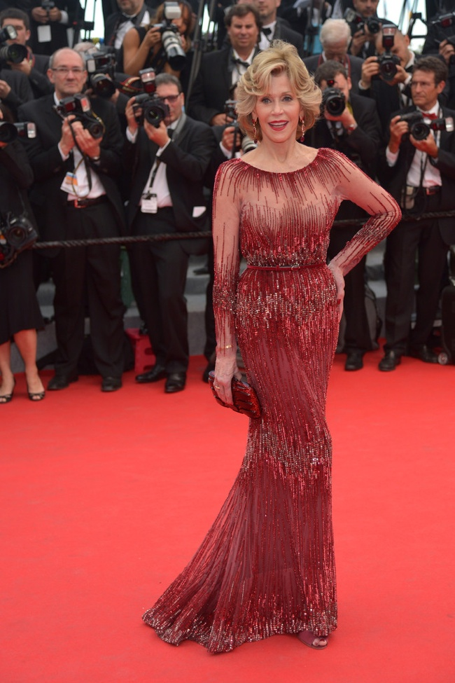At 76-years-old, Jane Fonda impressed in Elie Saab