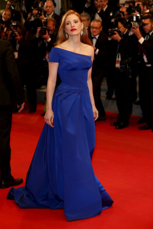 Jessica Chastain wore a dazlling blue Atelier Versace look