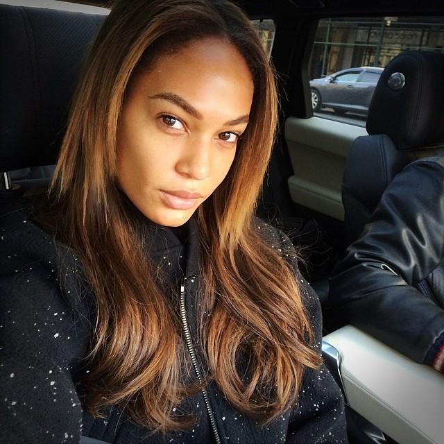 joan smalls no makeup Born Beautiful: 10 Model No Makeup Selfies