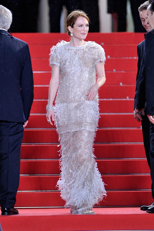 Julianne Moore dazzled in Chanel Haute Couture