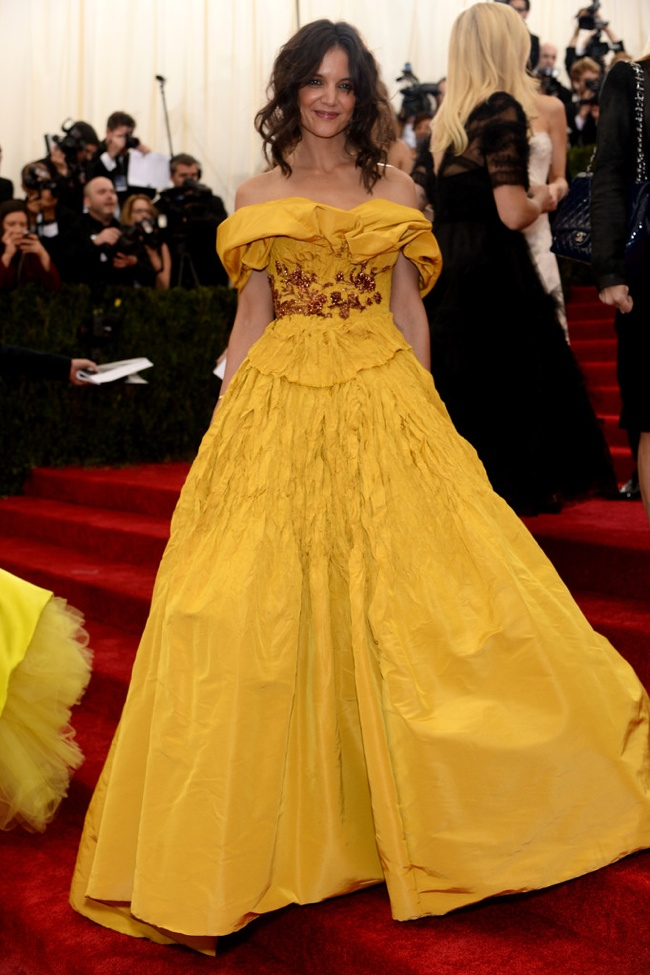 Katie Holmes wears daisy yellow Marchesa gown
